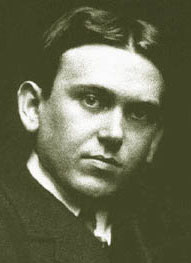 Photo portrait of young H.L. Mencken.