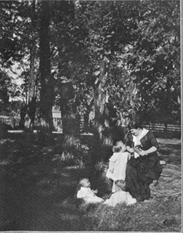 Maria Thompson Daviess outsider her home with children, Book News Monthly, January 1914..