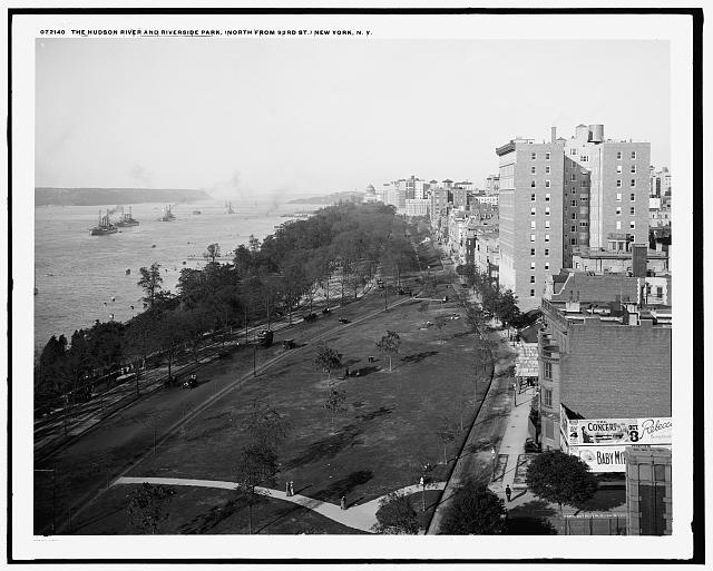 Aeriel view of Riverside Park, New York, ca. 1909.