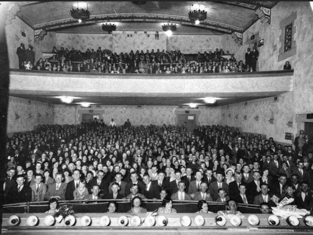 Theater audience, Plaza Theatre, Geelong, Victoria, Australia, 1920.